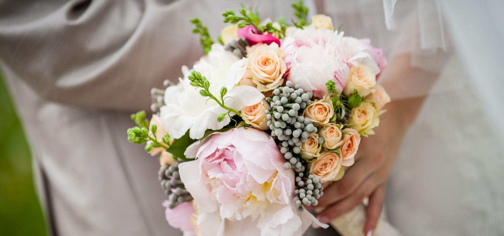 Какие плюсы и минусы свадьбы весной?